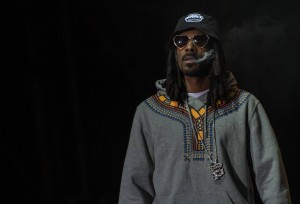 Neva Left dimostra che Snoop Dogg è ancora in grado di fare rap