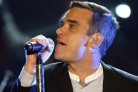 Il concerto di Robbie Williams ricostruito con i video delle date europee