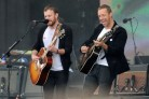 Chris Martin sul palco insieme ai Kings Of Leon. Guarda il video