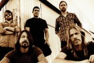 I Foo Fighters suonano una nuova canzone a Londra. Guarda il video