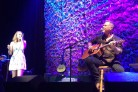 James Hetfield canta Adele, <p>in acustico e con la figlia