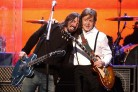 Dave Grohl sul palco di Paul McCartney per un duetto