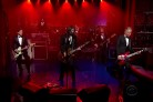 I Foo Fighters &#8220;salutano&#8221; David Letterman con <i>Everlong</i>