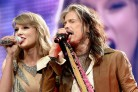 Taylor Swift e Steven Tyler hanno cantato insieme <i>I Don&#8217;t Wanna Miss A Thing</i>
