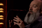 Michael Stipe rende omaggio a David Bowie con la cover di <i>The Man Who Sold The World</i>