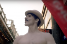 Red Hot Chili Peppers, Antohony Kiedis in versione mimo nel video di Go Robot