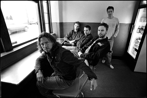 Pearl Jam Mind Your Manners video
