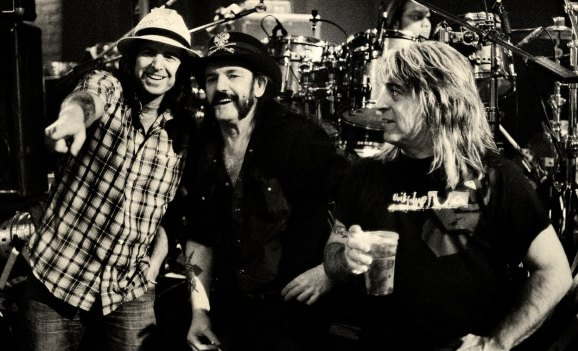 La band di Lemmy porta in giro i fan su di una nave