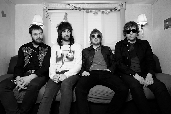 kasabian Bumblebeee video