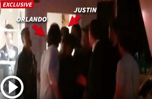 video pugno orlando bloom justin bieber