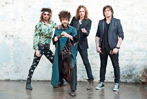 the-darkness-italia-2015-tour-concerto