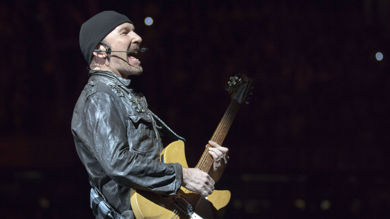 u2 The Edge cade dal palco vancouver video
